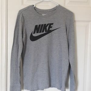 Nike athletic cut long sleeve t-shirt Small